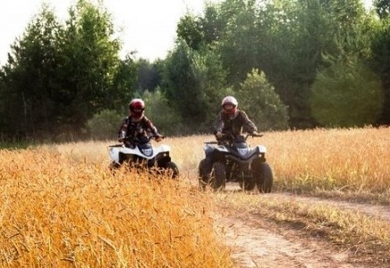 Квадроцикл напрокат в Москве и области для романтического свидания или отдыха в лесу